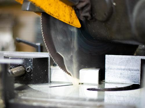 Metal saw cutting